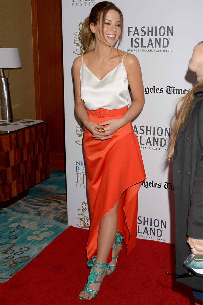 kate beckinsale brian atwood yuna sandals