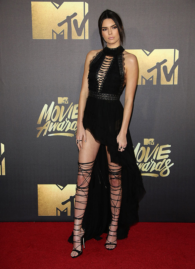 Kendall Jenner MTV Movie Awards 2016 Red Carpet