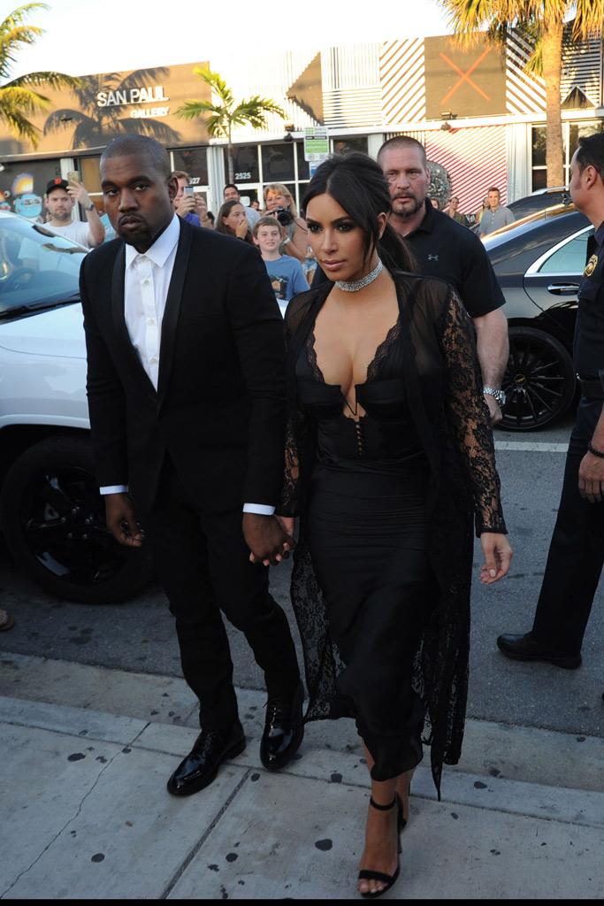 Kim Kardashian Manolo Blahnik Shoe Style