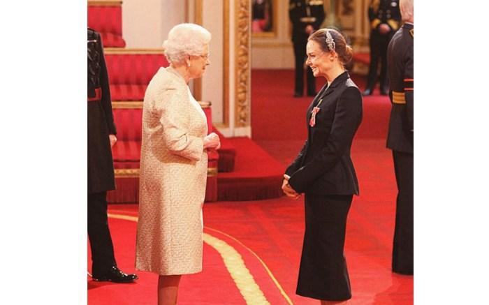 Stella McCartney & Queen Elizabeth II