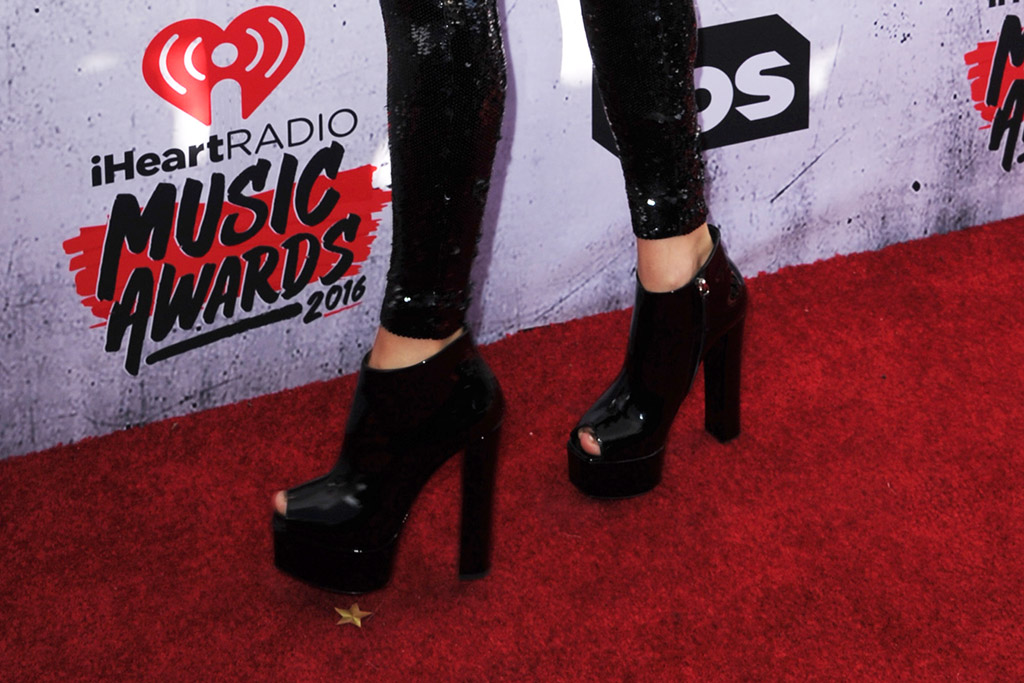 Taylor Swift iHeartRadio Music Awards 2016 Red Carpet