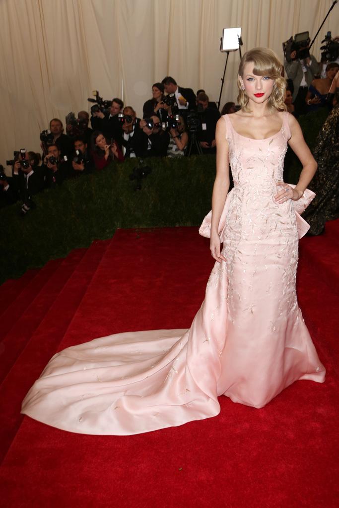 Taylor Swift Met Gala Red Carpet