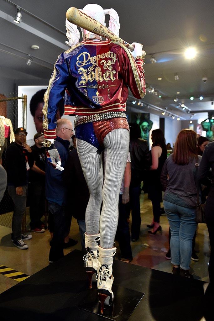 Harley Quinn's costume.