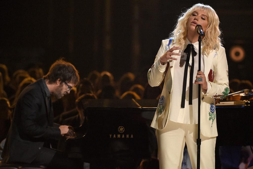 Kesha Billboard Awards Performance 2016