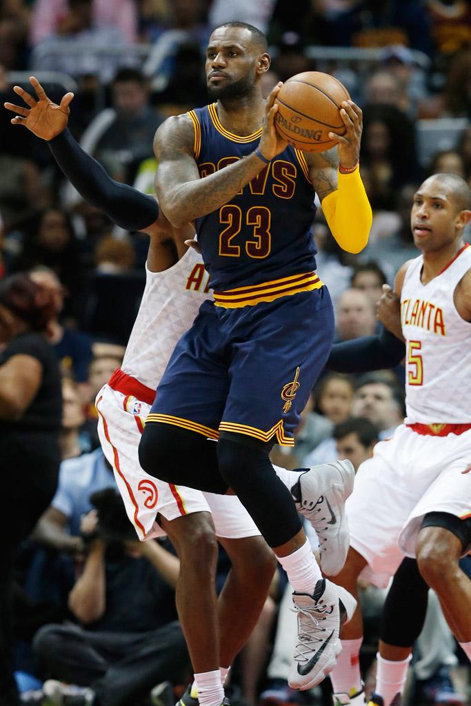 LeBron James Nike LeBron 13 Elite