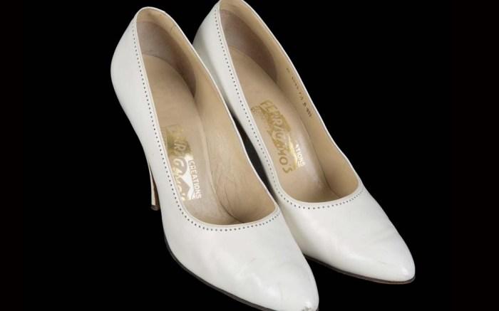marilyn-monroe-ferrago-shoes-auction