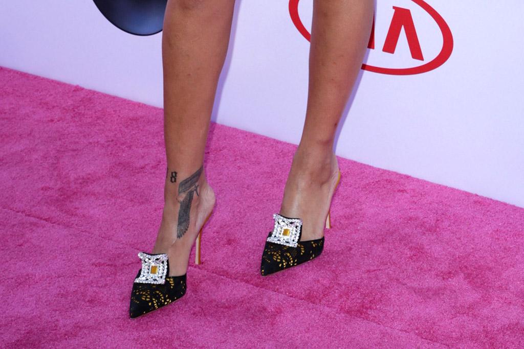 Rihanna Billboard Awards Red Carpet 2016