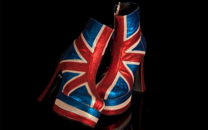 spice girls union jack Geri Halliwell ginger spice shoes heels boots