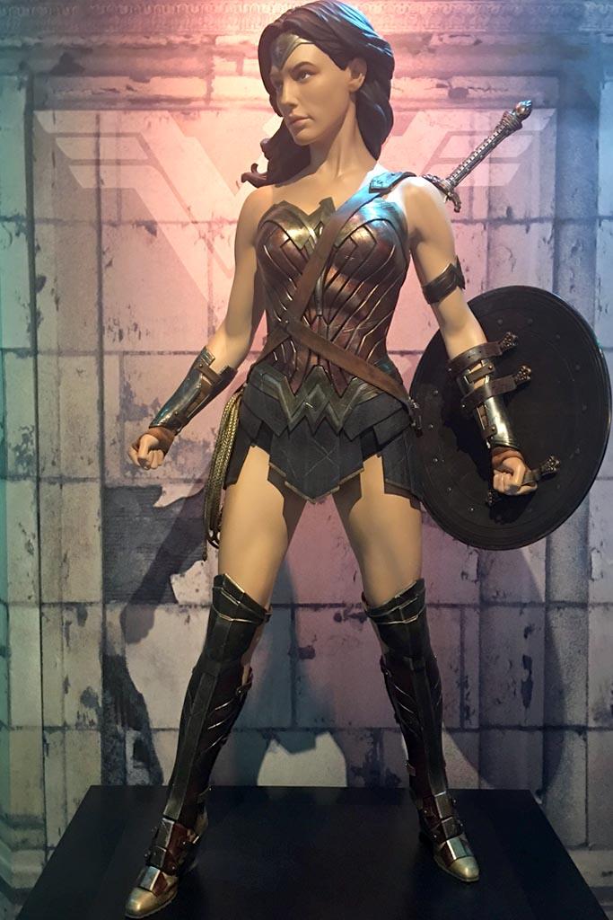 wonder woman costume gal gadot dc universe exhibit
