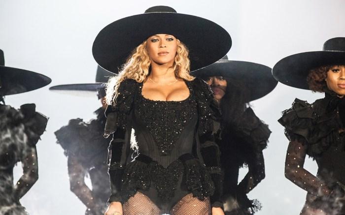 Beyoncé CFDA Fashion Icon Award