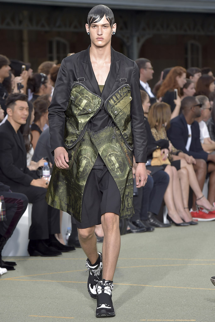 Givenchy Show Spring 2017 Couture Paris Men's Fashion Week