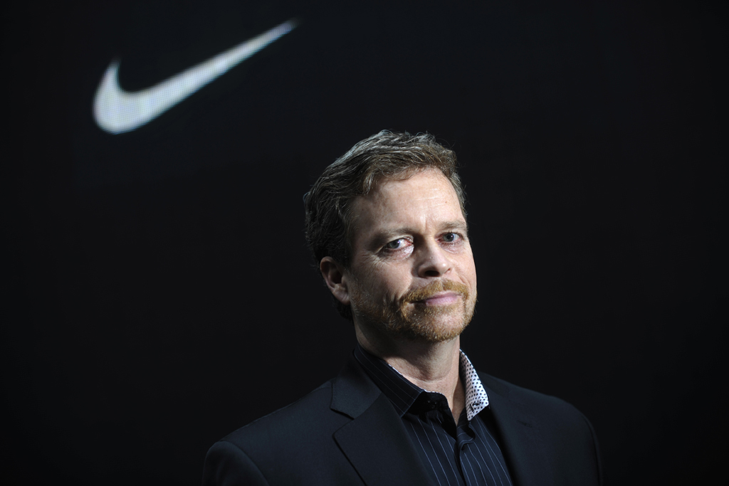 Vibrar aves de corral como el desayuno  Nike's Mark Parker Told Kobe Bryant To Read 944-Page Lincoln Book –  Footwear News