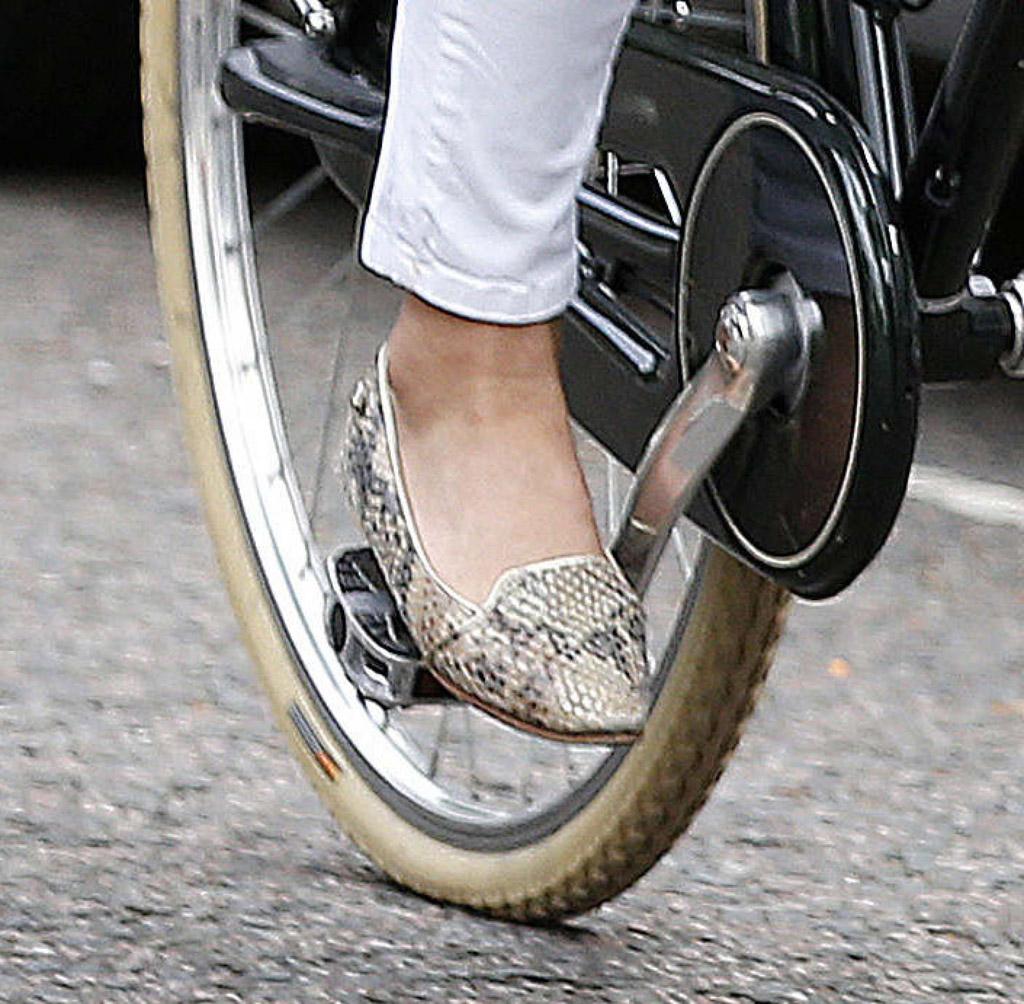 pippa middleton jemima vine shoes snakeskin loafers pumps