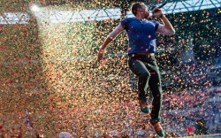 Chris Martin Coldplay Onstage Style