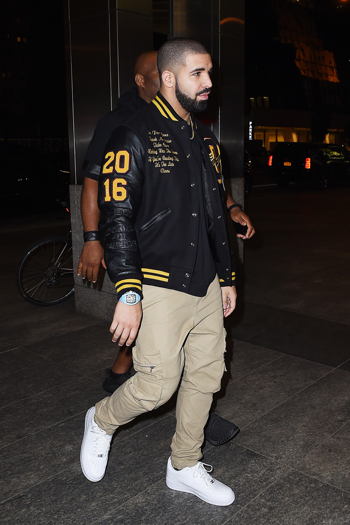 Drake in New York wearing Nike Air Force One Low sneakers.