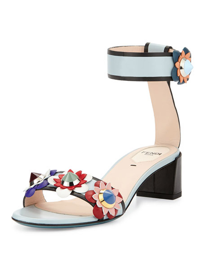 michelle obama fendi sandals heels marthas vineyard vacation president barack obama family vacation flowerland