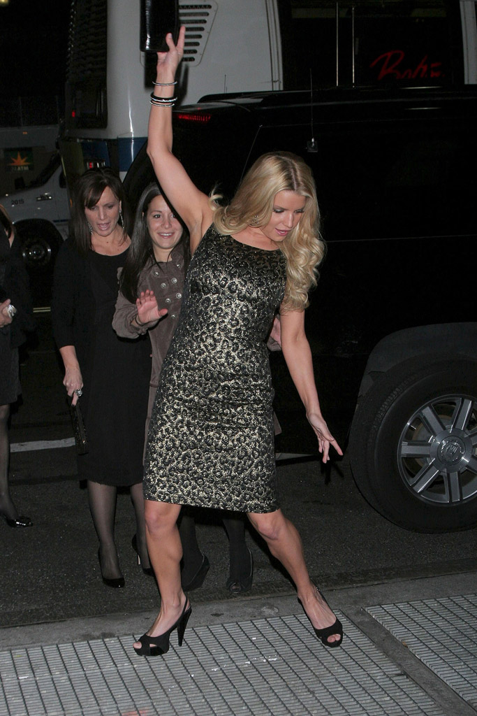jessica simpsons grates heels