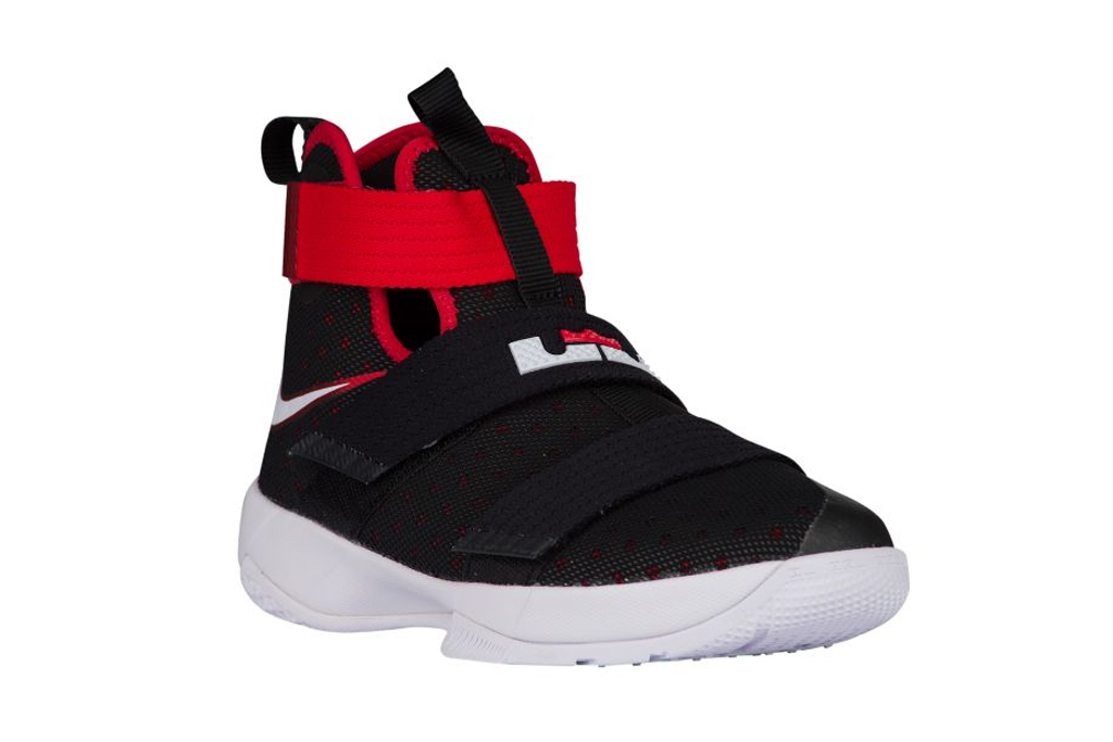 Chris Paul Son Nike LeBron Soldier 10