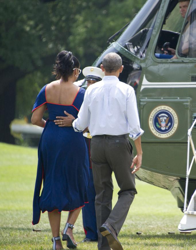 michelle obama fendi sandals heels marthas vineyard vacation president barack obama family vacation