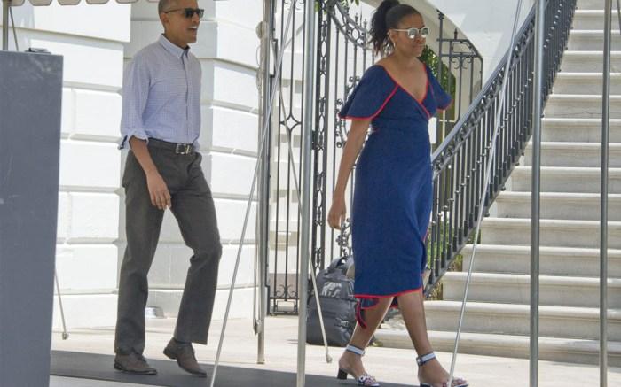 michelle-obama-marthas-vineyard-flower-sandals-5