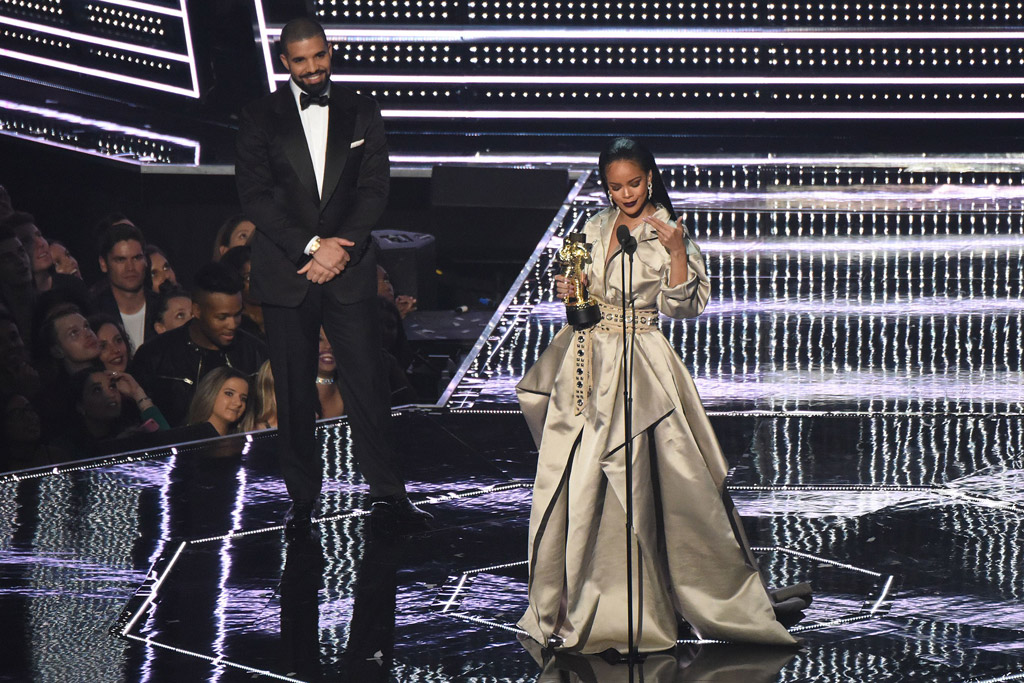 VMA2016 Rihanna Drake