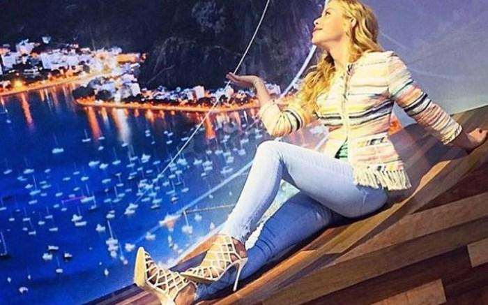 Tara Lipinski olympics rio johnny weir fashion steve madden heels