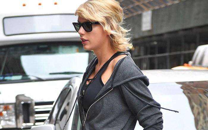 Taylor Swift in Nike