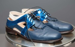 Wisharawish Akarasantisook thailand silk fidm shoes