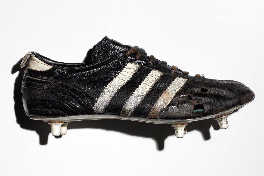 Adidas Cosmos Soccer Cleats
