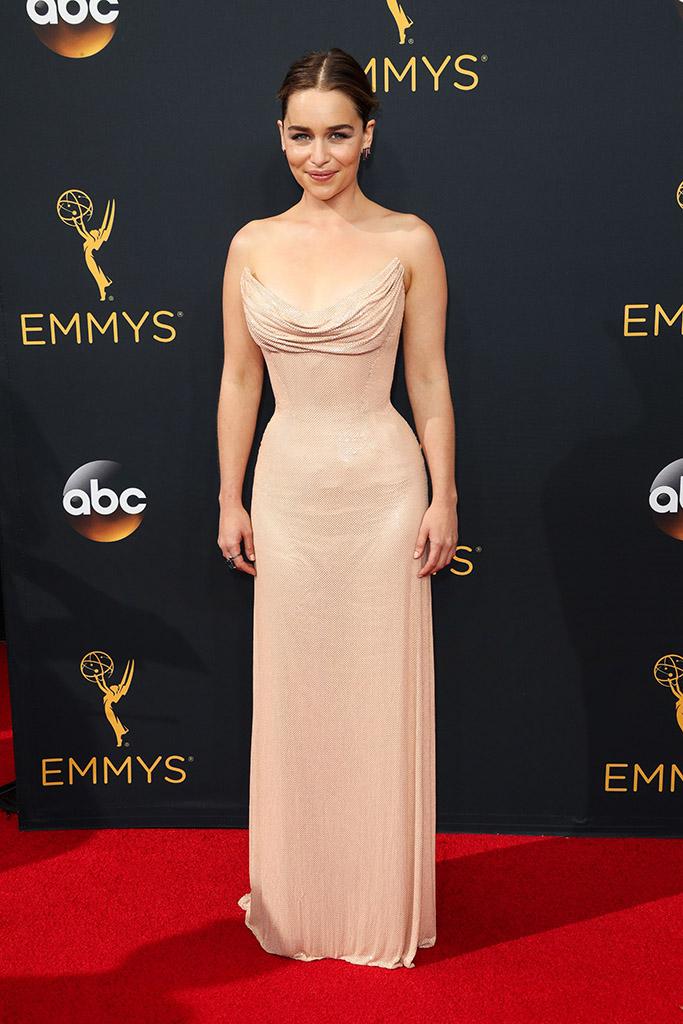 Emmys 2016 Emilia Clarke
