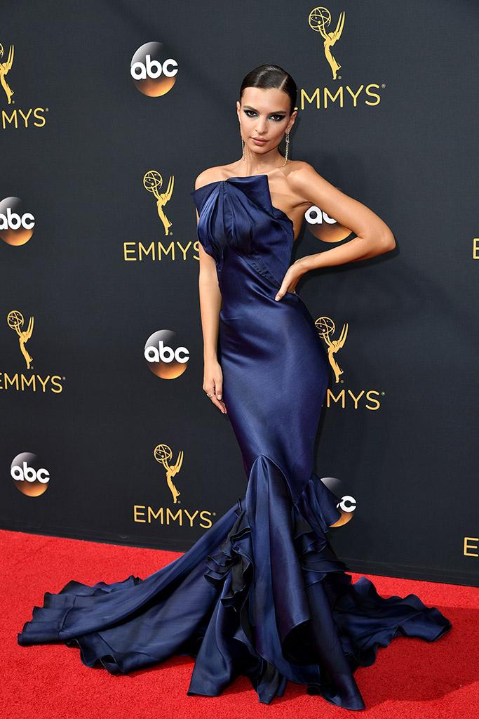 Emmys 2016 Emily Ratajkowski
