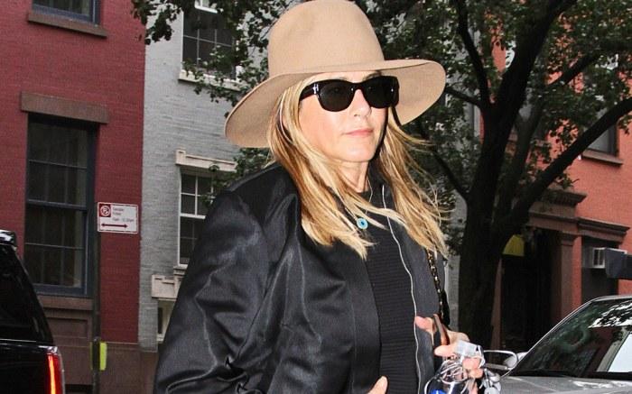 Jennifer Aniston Gucci Slides