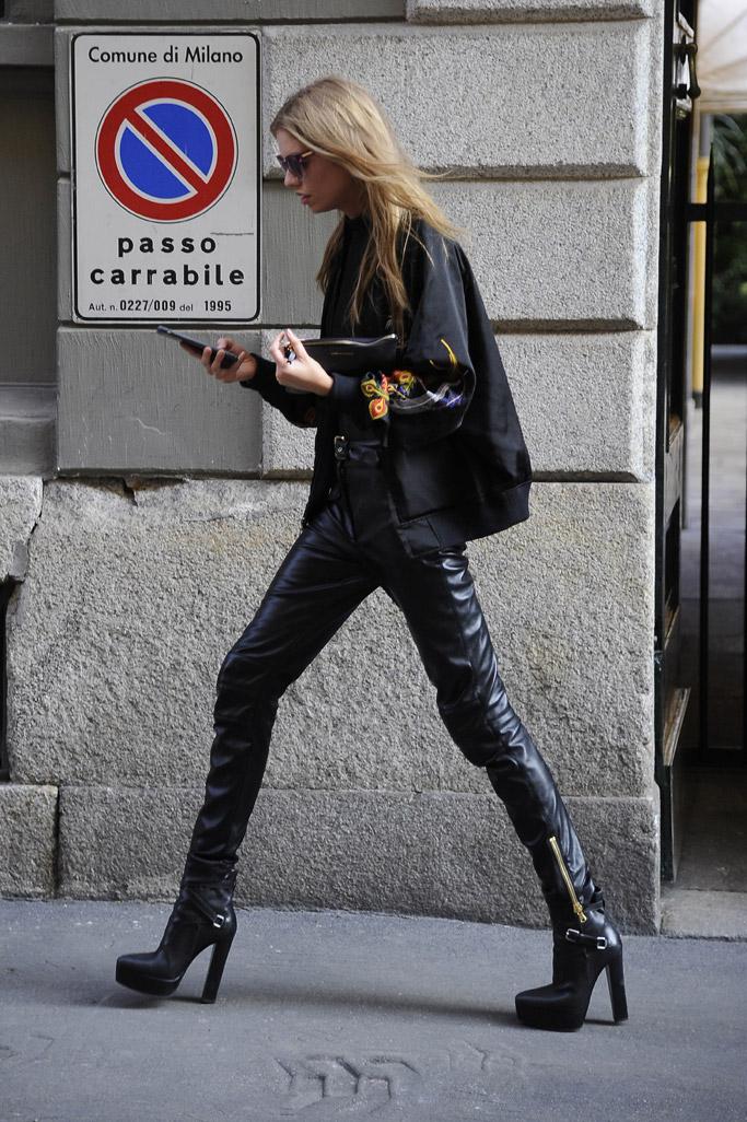 Stella Maxwell Model Off Duty Style