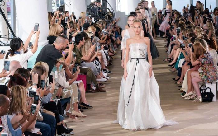 Monique Lhuillier Spring 2017 New York Fashion Week