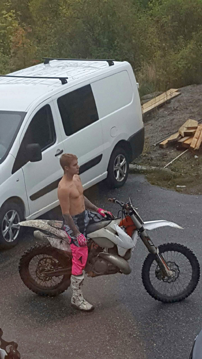 justin bieber shirtless forma motocross boots