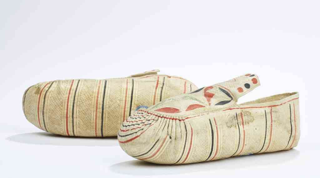 Kids moccasins from Canada