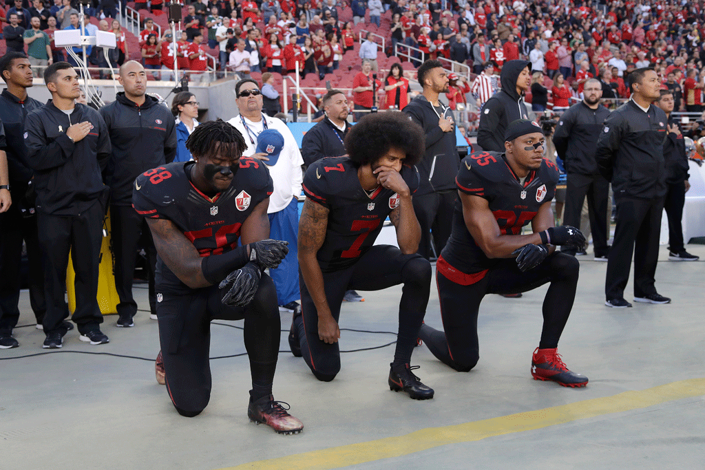 Colin Kaepernick San Francisco 49ers, kneeling, national anthem