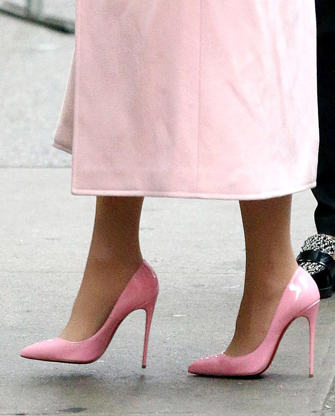 lady gaga pink heels
