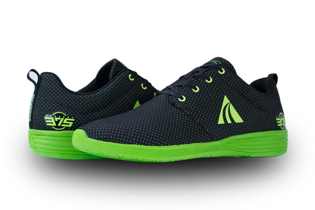 liuid black sneakers
