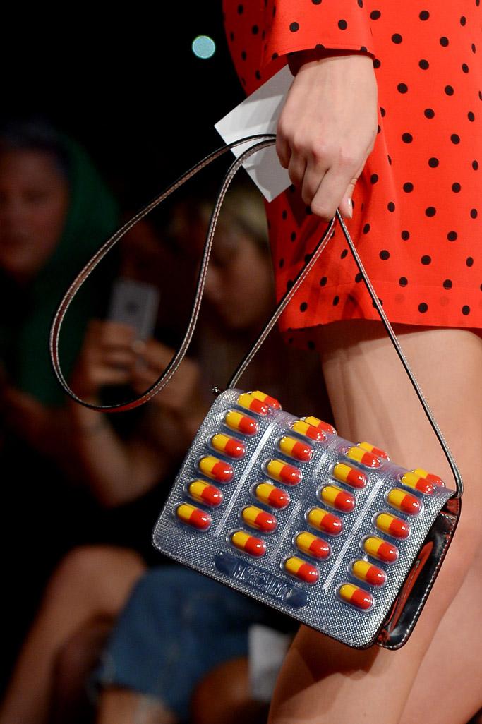 moschino drug capsule