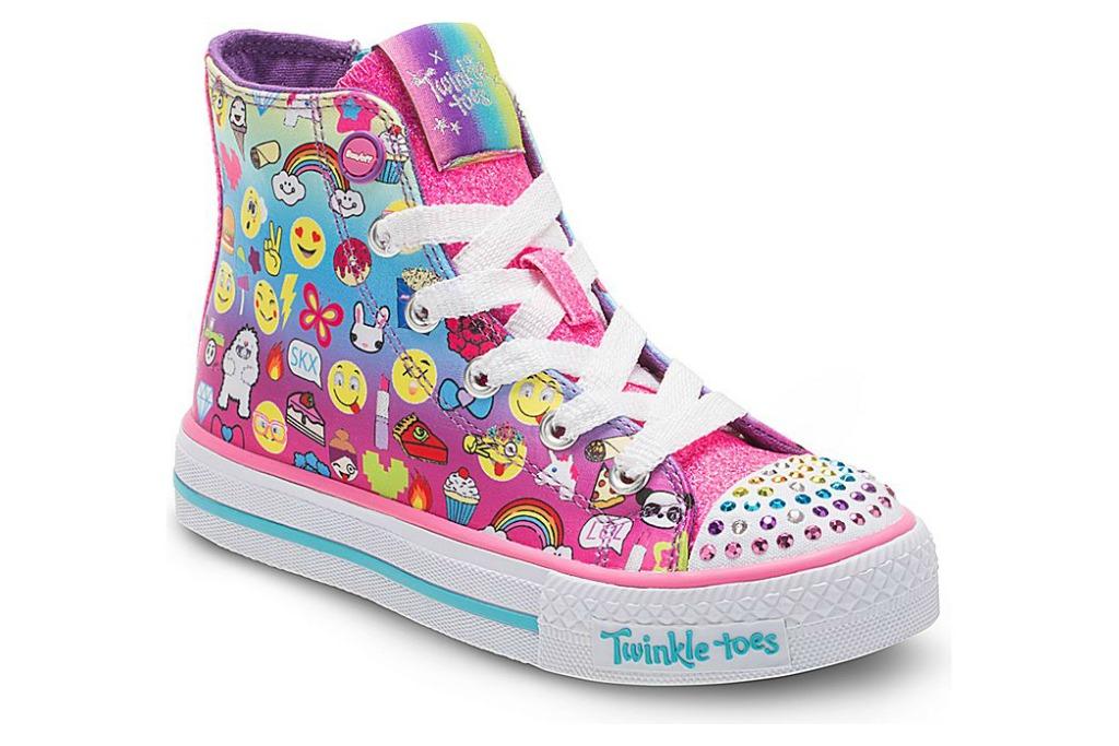 servir Respectivamente crédito  Skechers Faces Lawsuit Alleging Light-Up Kids Shoes Cause Skin Burns –  Footwear News