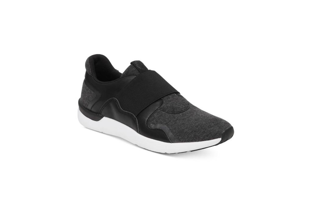 jessica simpson sneaker