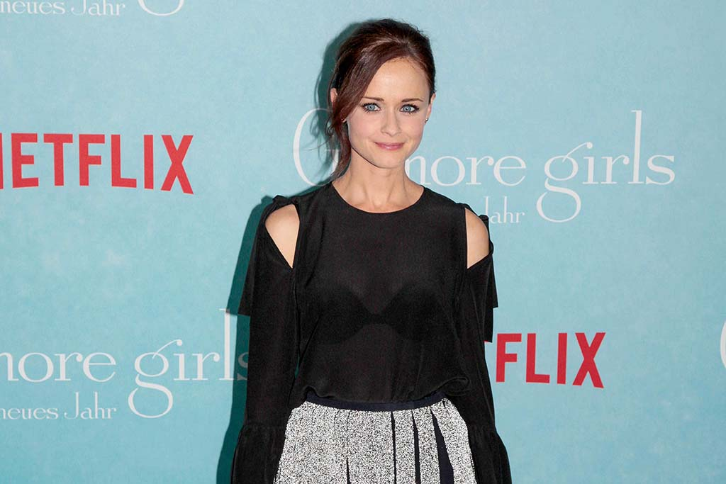 "Costume Designer Talks ""Gilmore Girls"" Fashion"