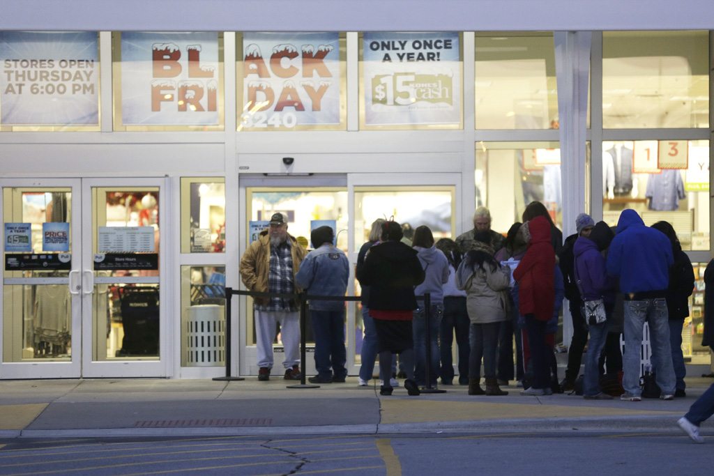 black friday shopping thanksgiving