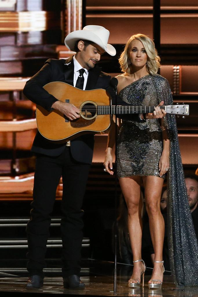 Carrie Underwood CMAs 2016