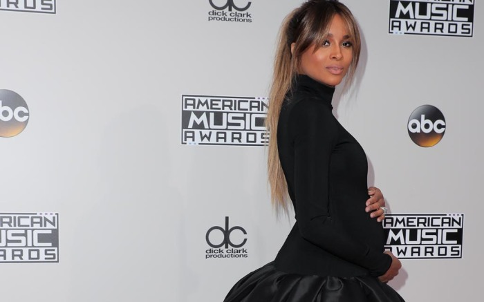 Ciara's Baby Bump at 2016 AMAs