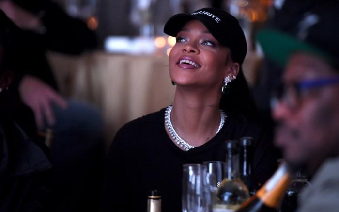 Rihanna FNAA 2016