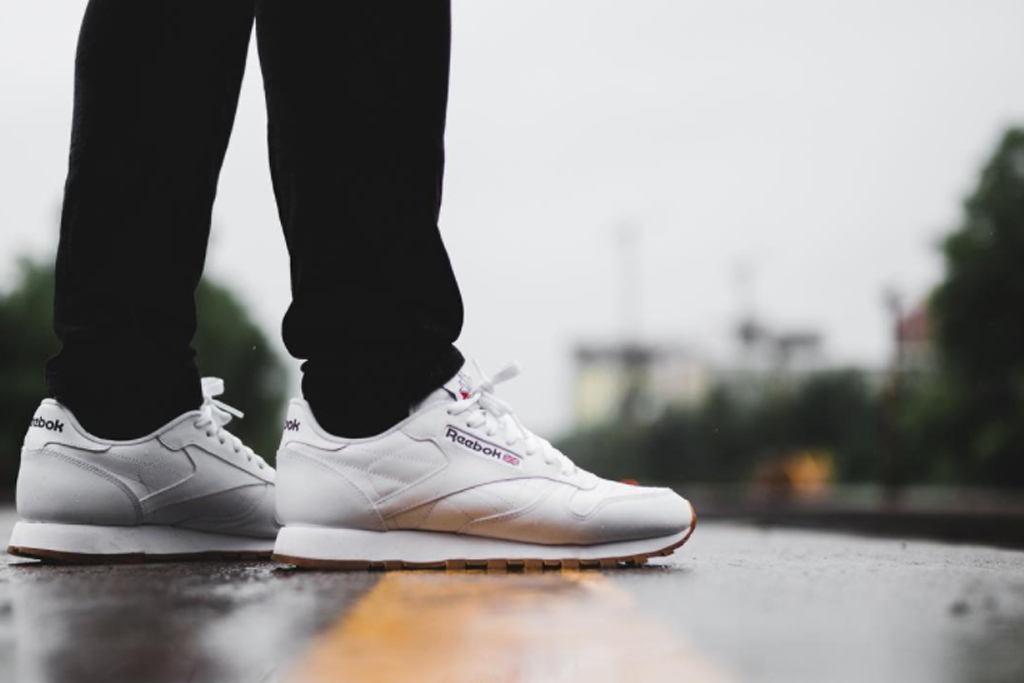 The 6 Men's Retro Running Sneakers You