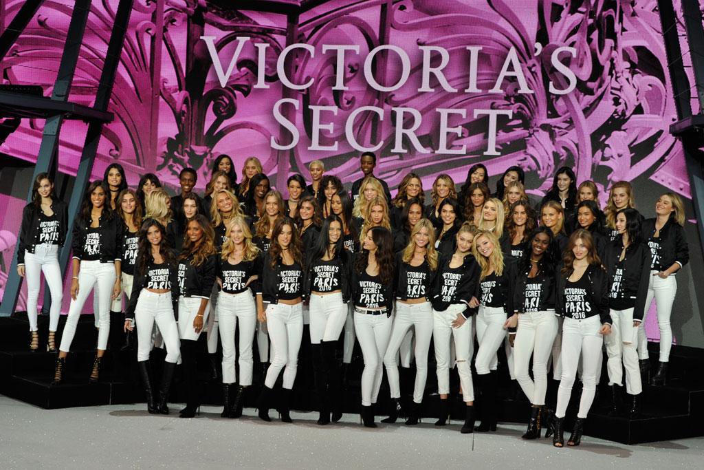 Victoria's Secret Fashion Show Paris 2016