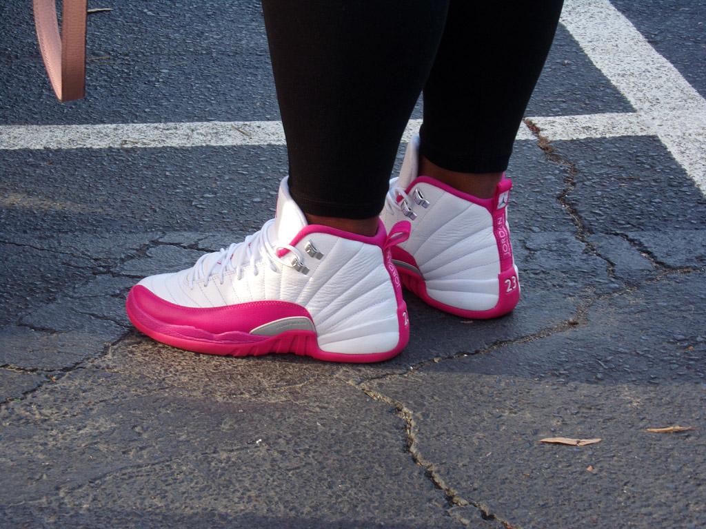 charlotte sneaker con